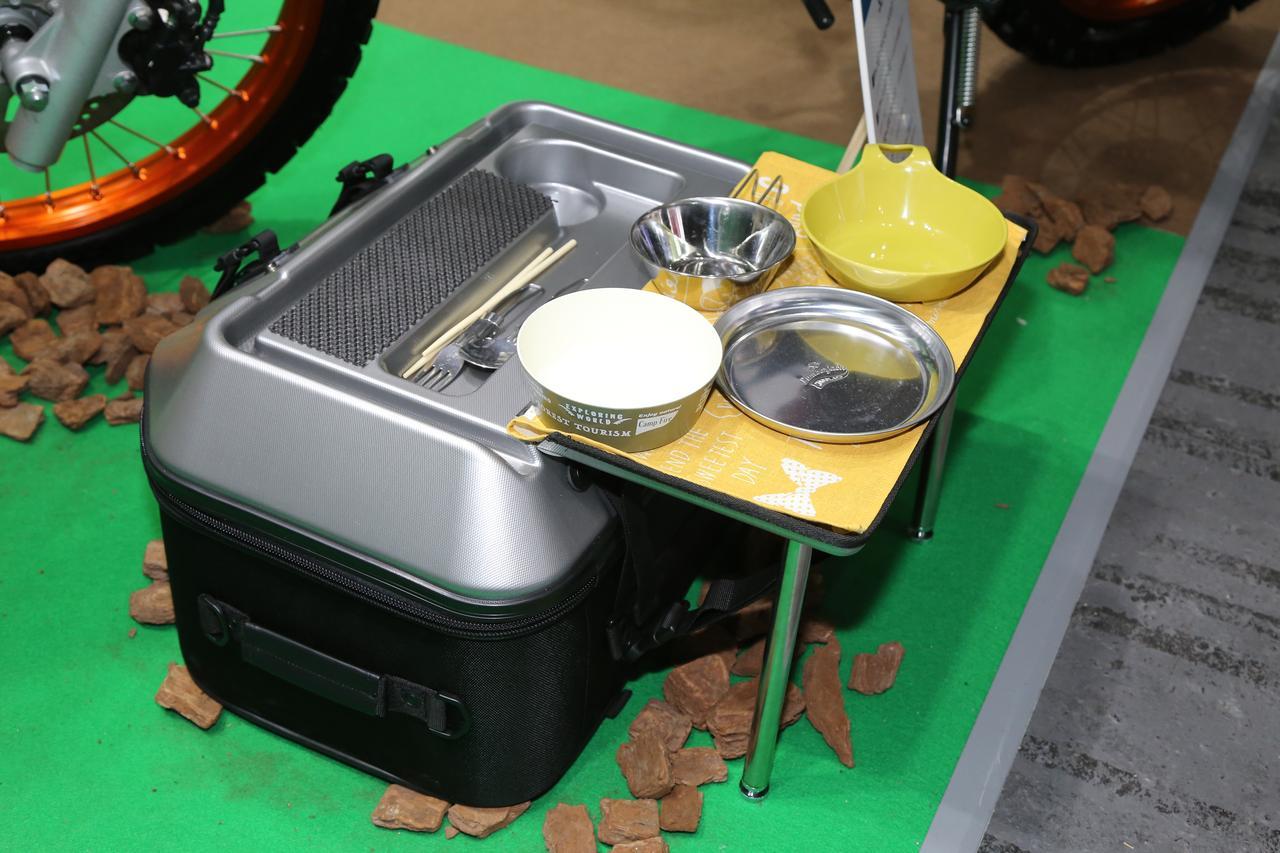 画像4: 旅ライダーを悩ませる「テーブル問題」をバッグが一発解決!
