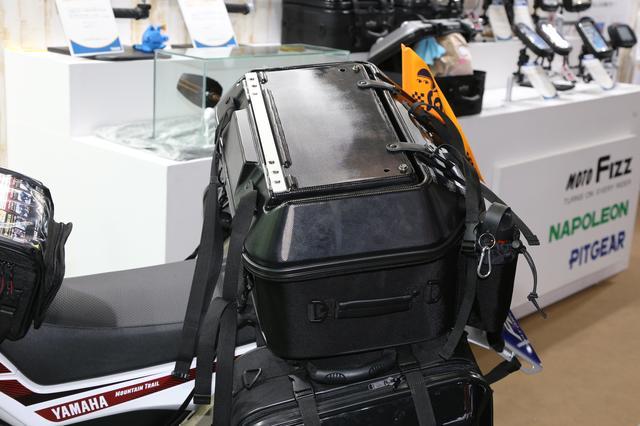 画像7: 旅ライダーを悩ませる「テーブル問題」をバッグが一発解決!