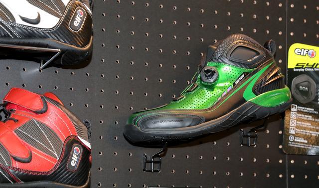 画像2: スニーカー感覚で履けるローカットモデル「シンテーゼ16」に新色が登場