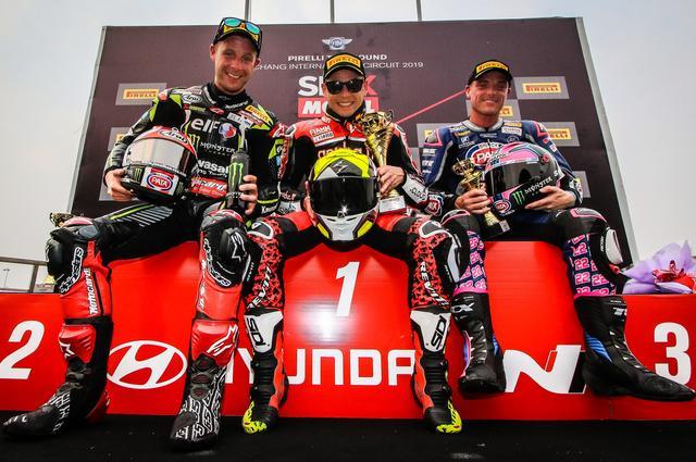 画像: レース2の表彰台。とはいえ、このタイ大会で表彰台に上がったのは3レースともこの3人でした