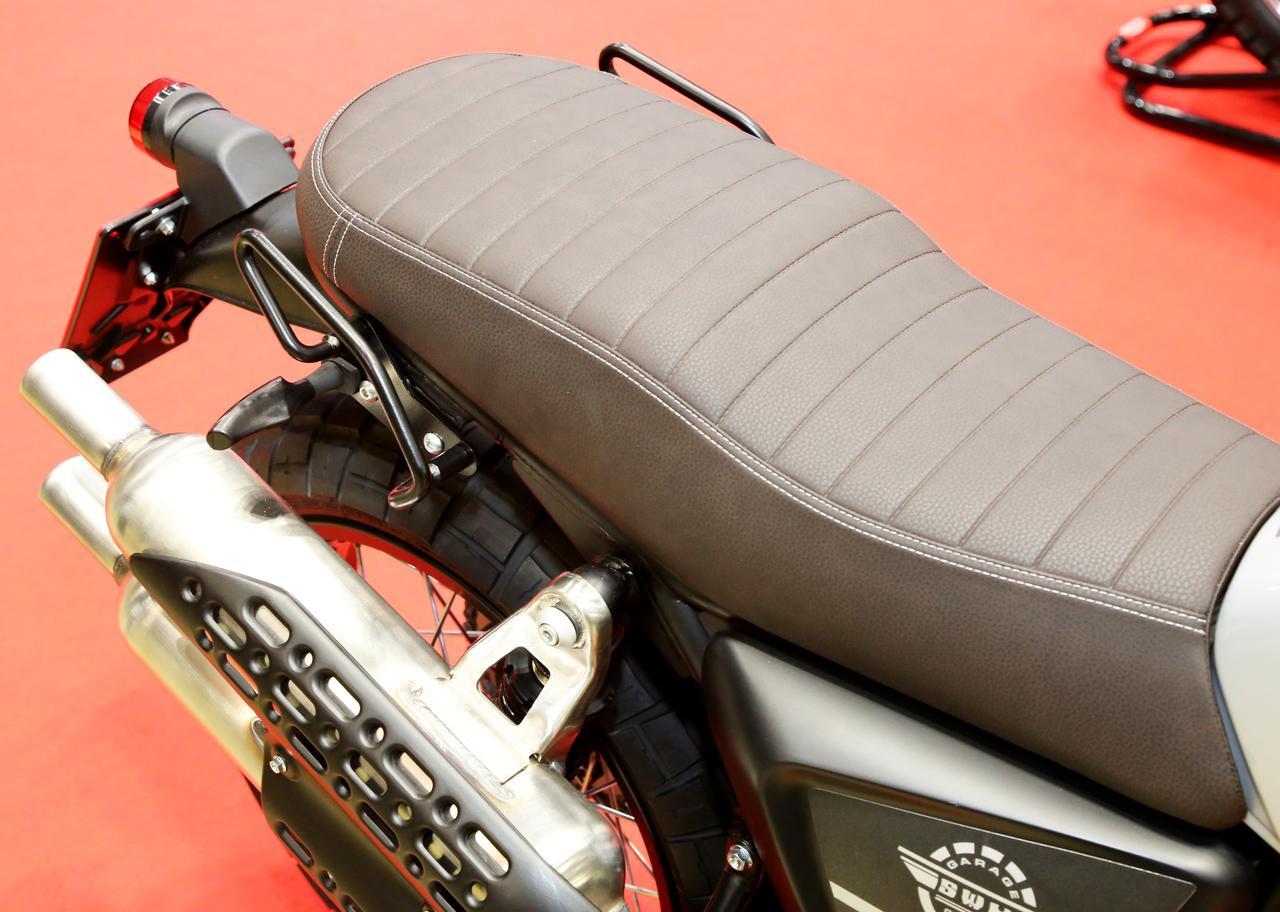 画像: リアシートの座面が広く、けっこうな大荷物も積載できるでしょう。