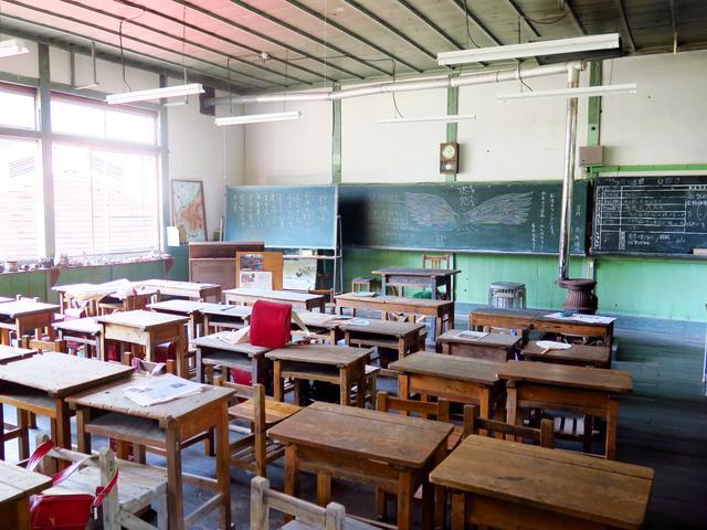 画像: 木造校舎の中にも入れます
