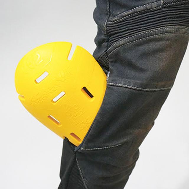 画像2: ひざのプロテクターはCE規格レベル2を取得済。外から出し入れできるので着脱もラク!