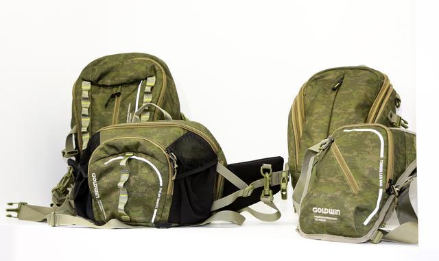 画像: さらにゴールドウインではさまざまサイズ・形状の新型バッグを発表しました。