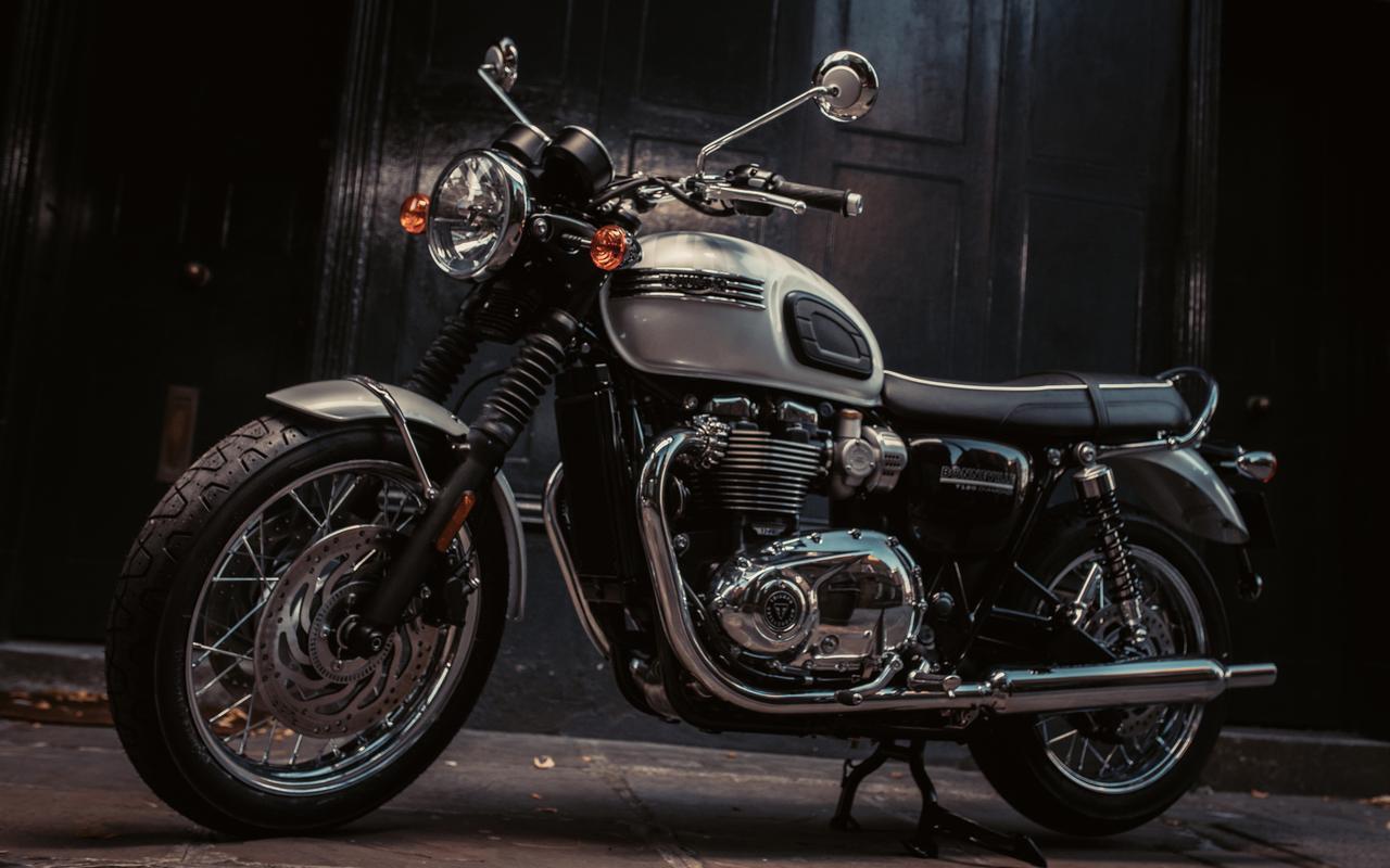 画像: 今年はトライアンフのボンネビルが誕生して60周年! 記念となる限定モデル「BONNEVILLE T120 DIAMOND EDITION」が登場 - webオートバイ