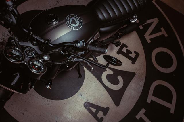 画像: 「BONNEVILLE T120 ACE」誕生! 帰ってきたAce Cafeグラフィック、全世界で1400台限定販売 - webオートバイ