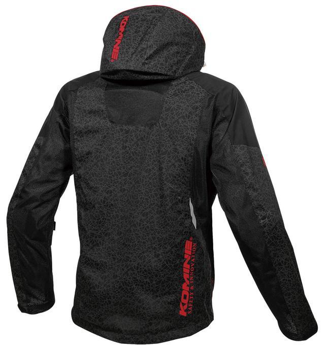 画像: 背面、フード袖にも備わっています。メッシュパネルを適度に配備し、通気性も確保。