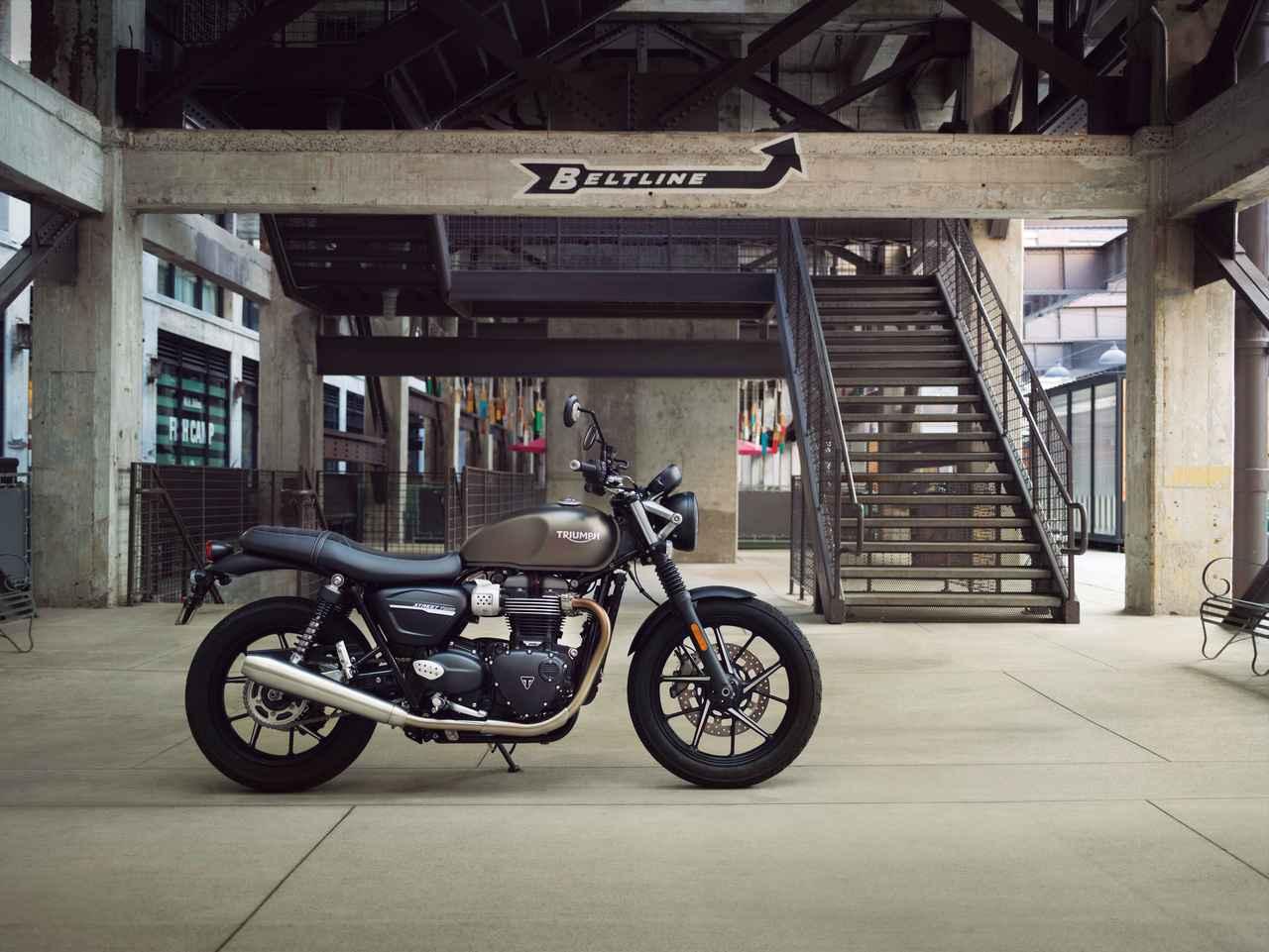 Images : 1番目の画像 - 「デビュー直後から世界中で大ヒットした『TRIUMPH STREET TWIN』がモデルチェンジ!」のアルバム - webオートバイ