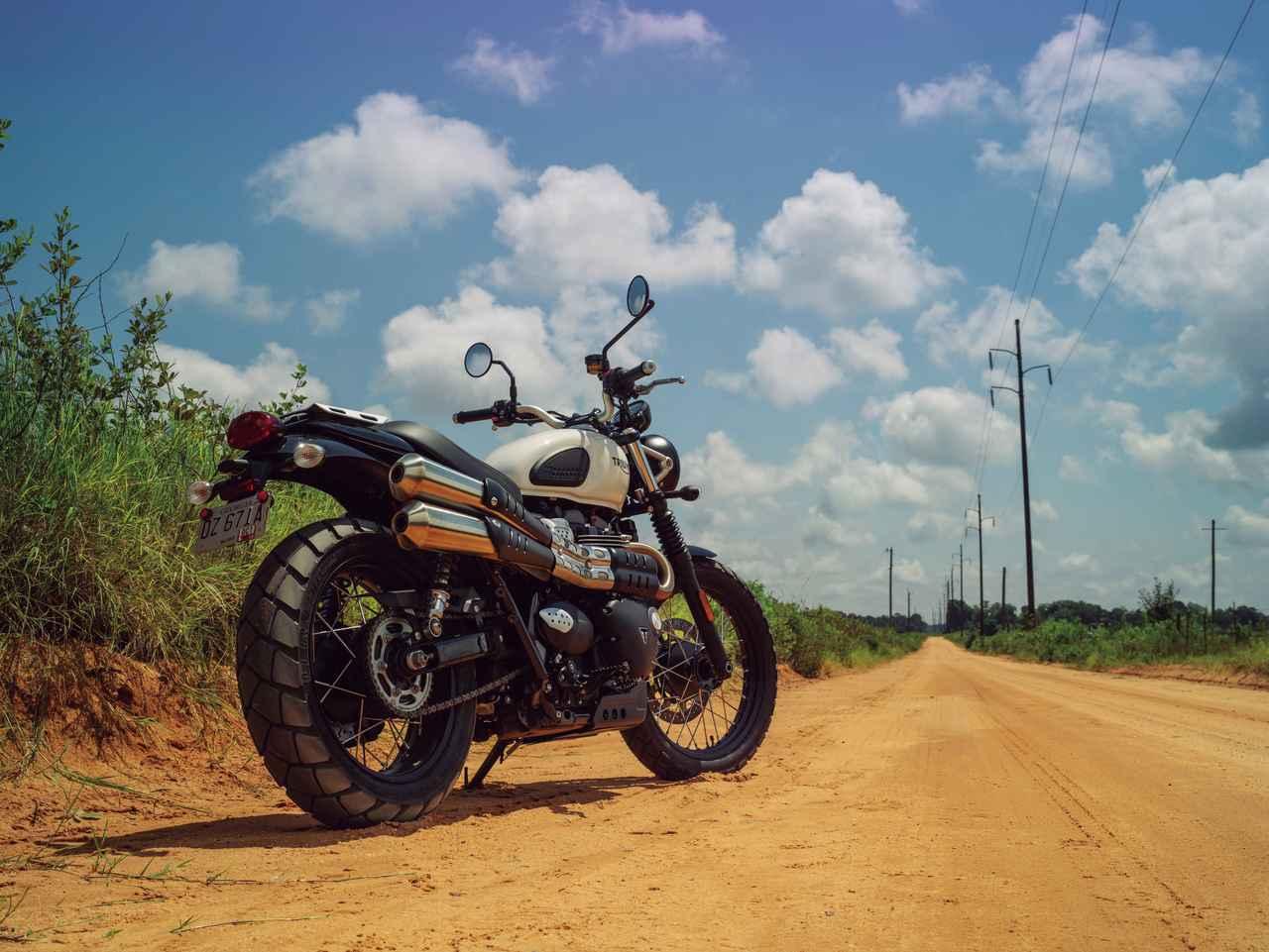 Images : 1番目の画像 - 「古典的で新しい?? 力強さを増して登場『TRIUMPH STREET SCRAMBLER』!」のアルバム - webオートバイ