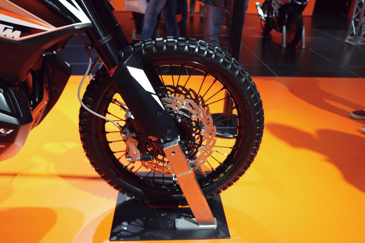 Images : 4番目の画像 - 「低中速を重視した新型アドベンチャー『KTM 790 Adventure R』」のアルバム - webオートバイ
