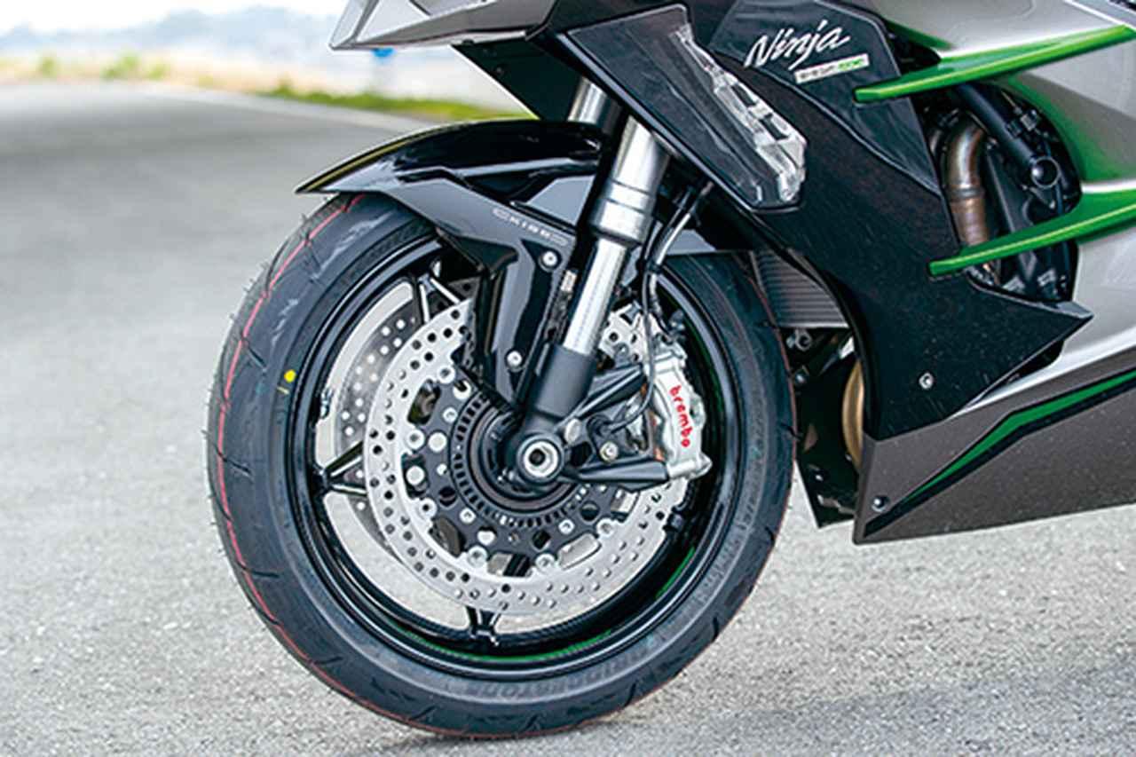 Images : 10番目の画像 - 「〝魔法の足〟を手に入れた極上のハイパフォーマンスツアラー!『KAWASAKI NINJA H2 SX SE+』(2019年)」のアルバム - LAWRENCE - Motorcycle x Cars + α = Your Life.