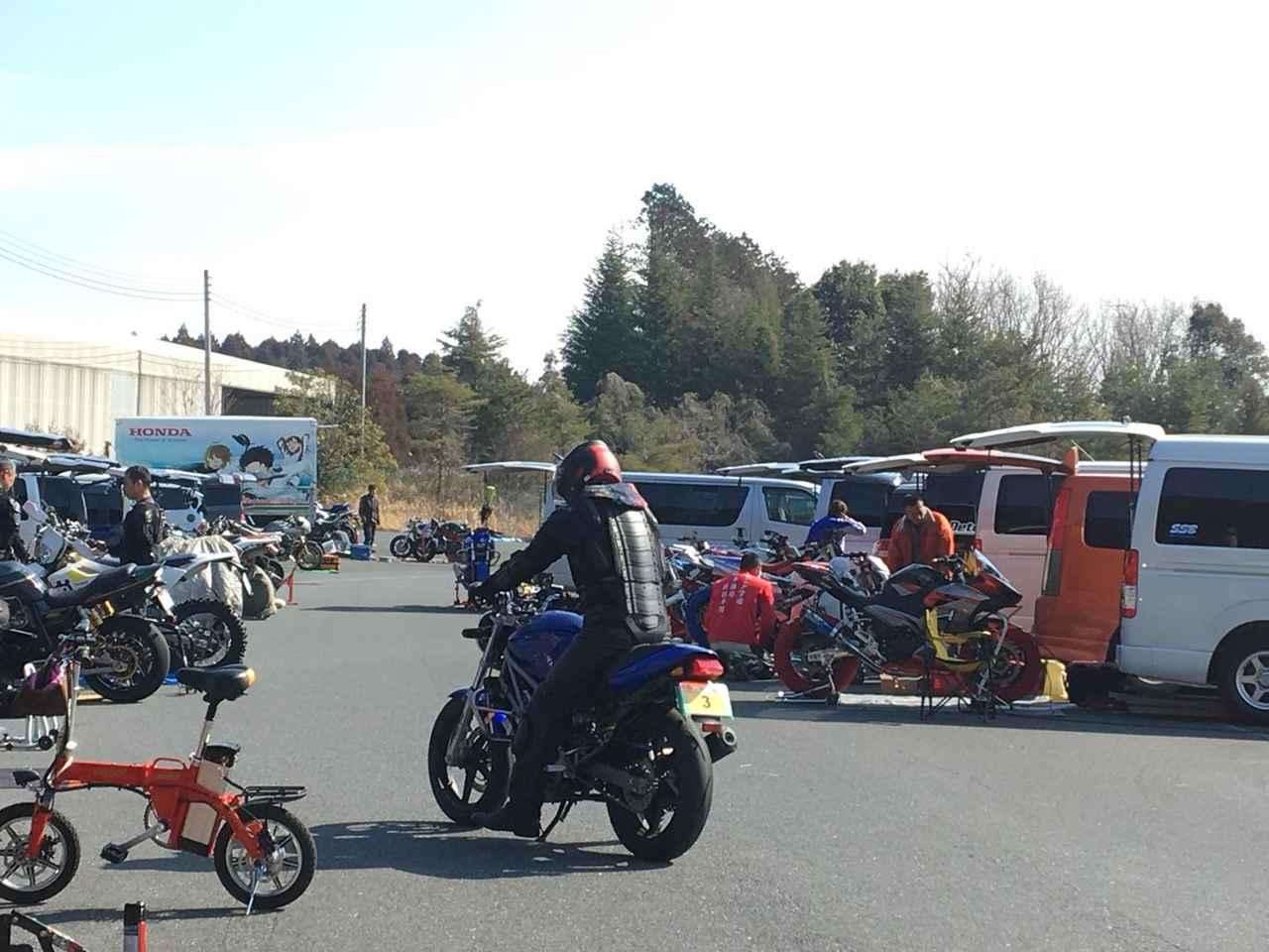 Images : 26番目の画像 - ジムカーナの練習風景 - webオートバイ