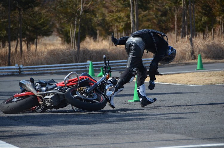 Images : 19番目の画像 - ジムカーナの練習風景 - webオートバイ