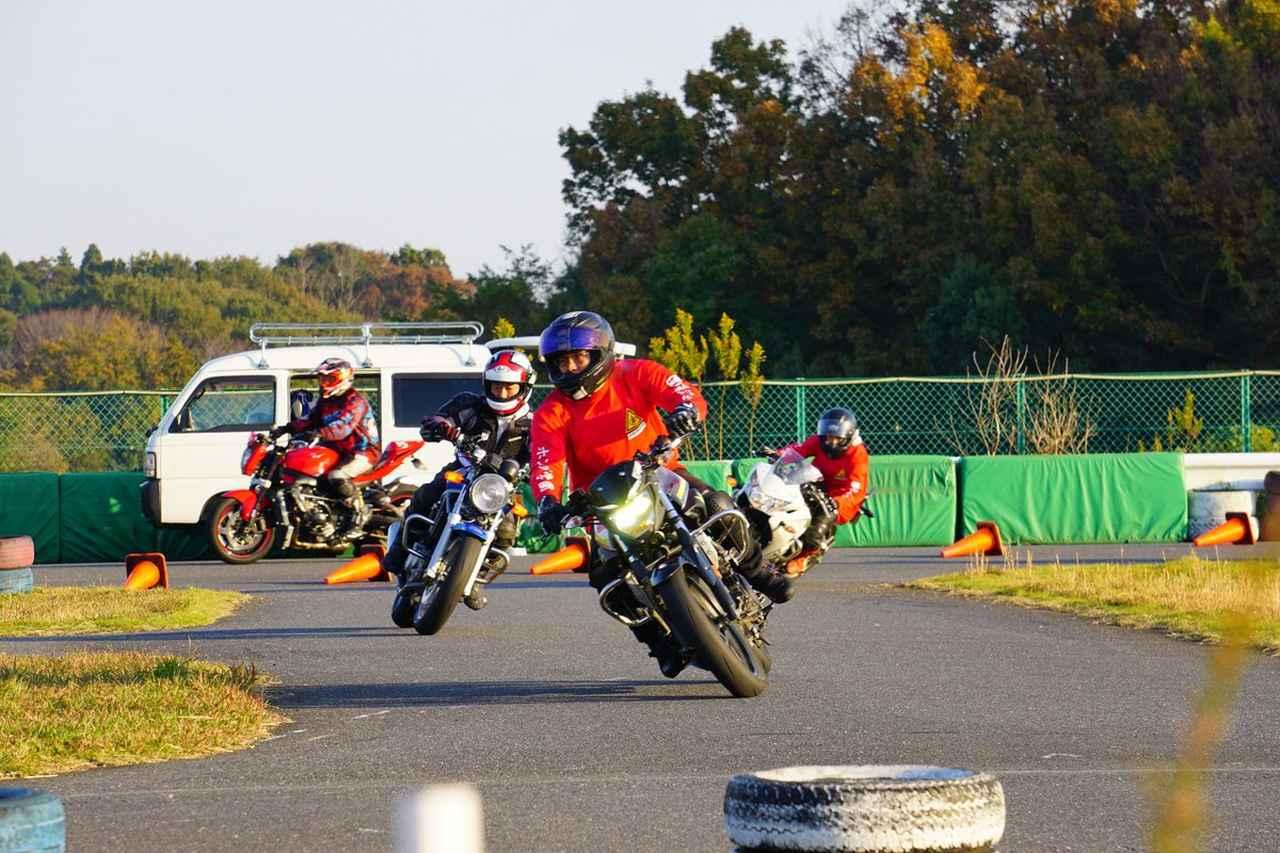 Images : 3番目の画像 - ジムカーナの練習風景 - webオートバイ