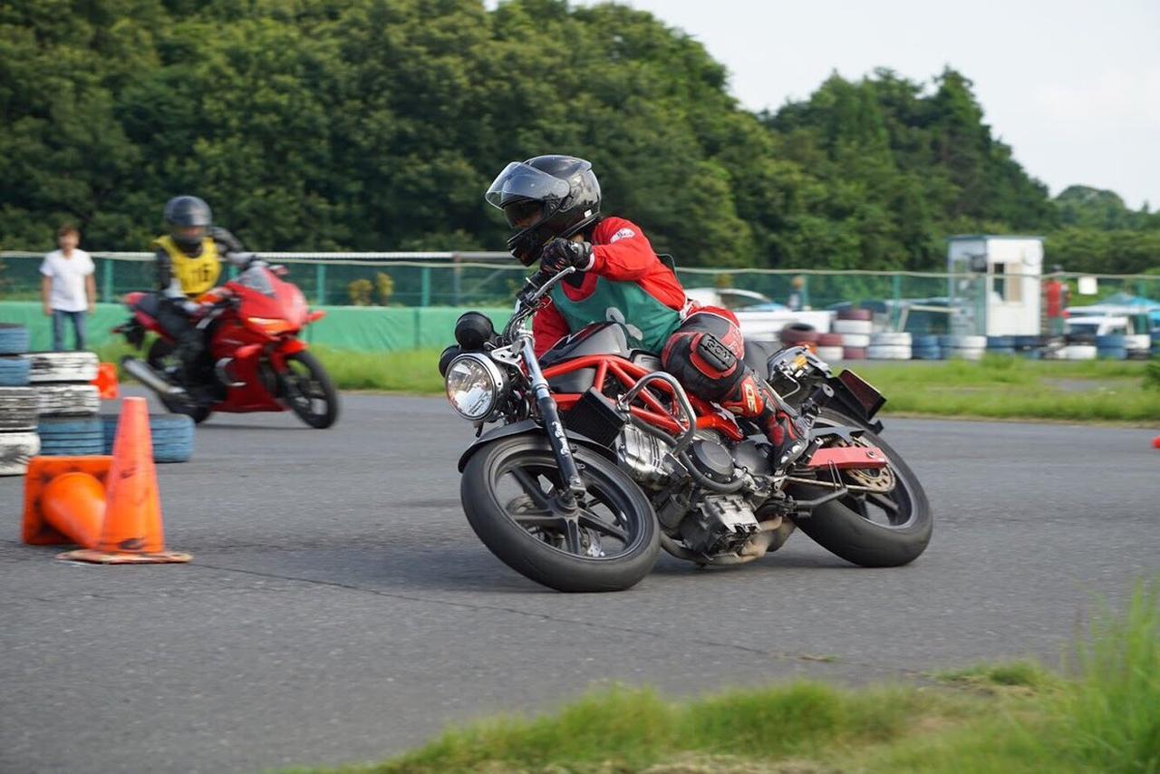 Images : 6番目の画像 - ジムカーナの練習風景 - webオートバイ