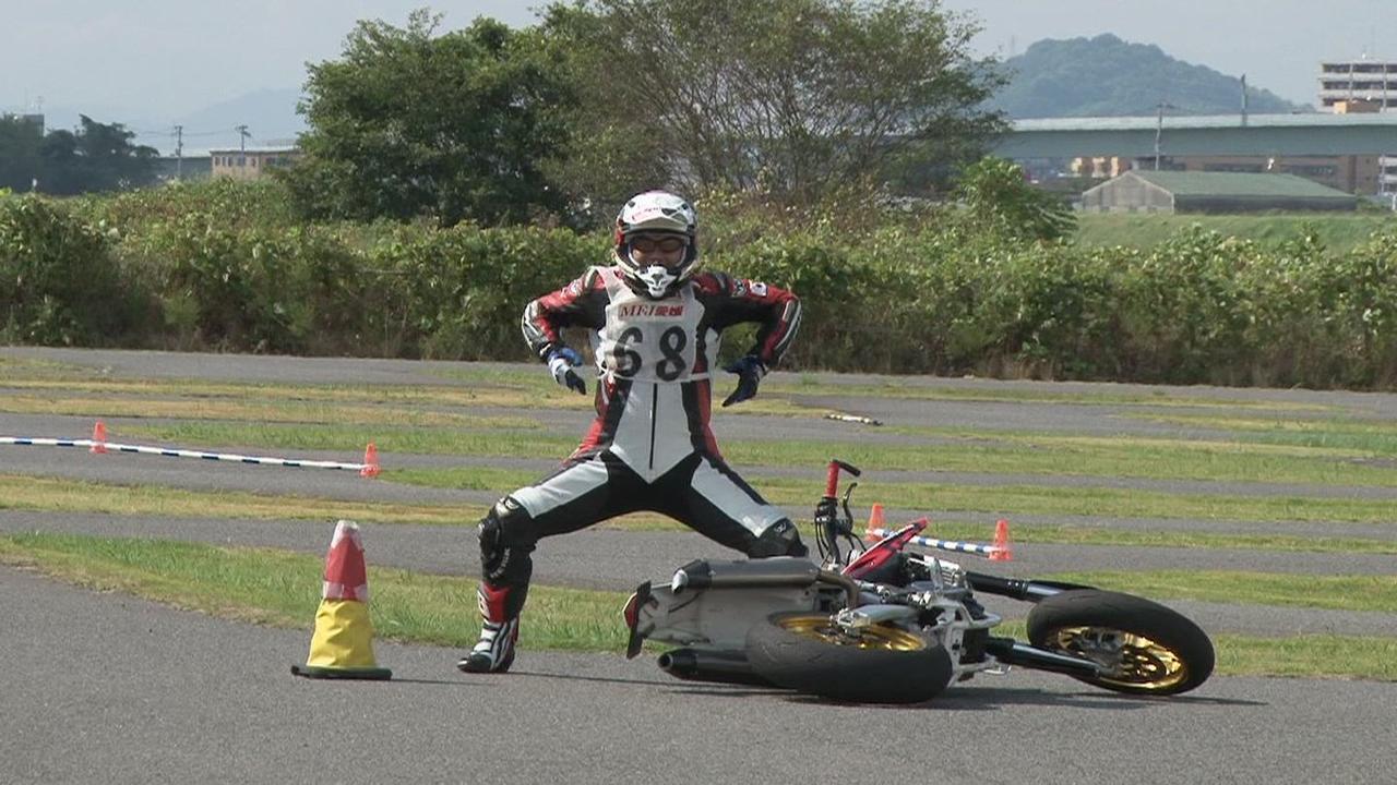Images : 18番目の画像 - ジムカーナの練習風景 - webオートバイ