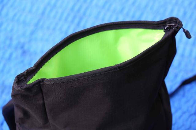 画像2: 両側のサイドポケットがメッシュ仕様に!