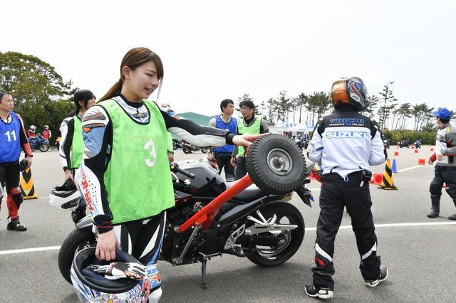 画像1: 北川ライディングスクールの名物「アウトリガー」にチャレンジ!