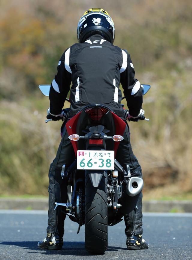 画像: 見た目は変わった、走りはどうか? ヤマハの新型「YZF-R25」を走行インプレッション&細部を徹底チェック!