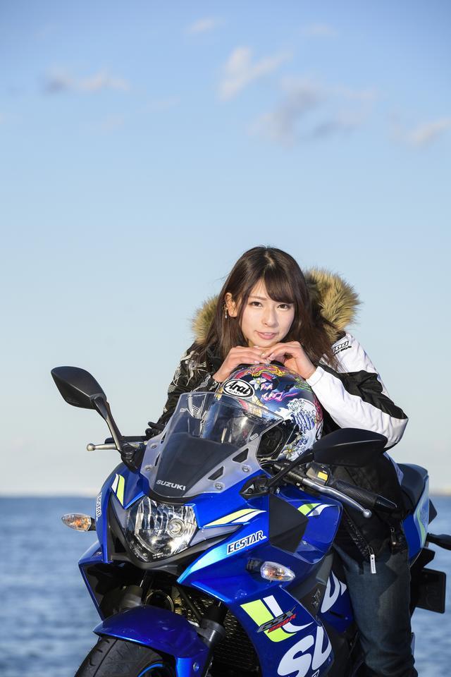 """画像: 「webオートバイ」ブースには、""""みうみう""""こと葉月美優が登場!"""