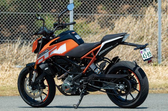 画像1: スポーツマインドと個性あふれる爽快ストリートファイター KTM「250DUKE」