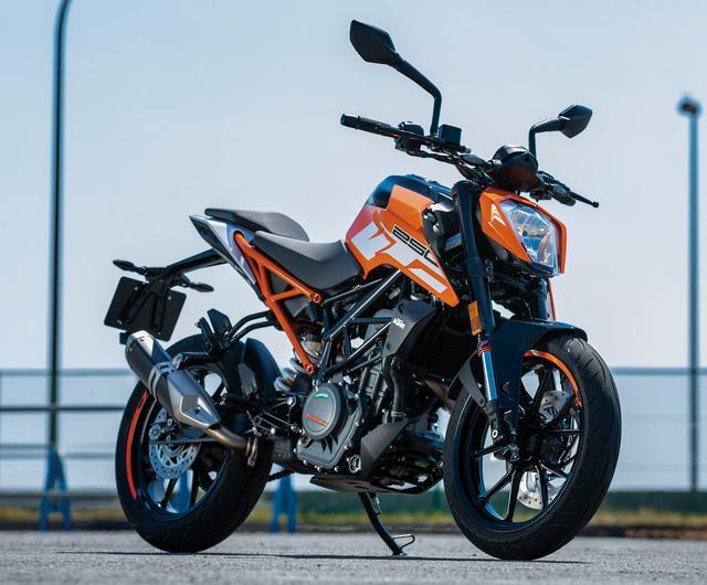 画像: KTM 250DUKE