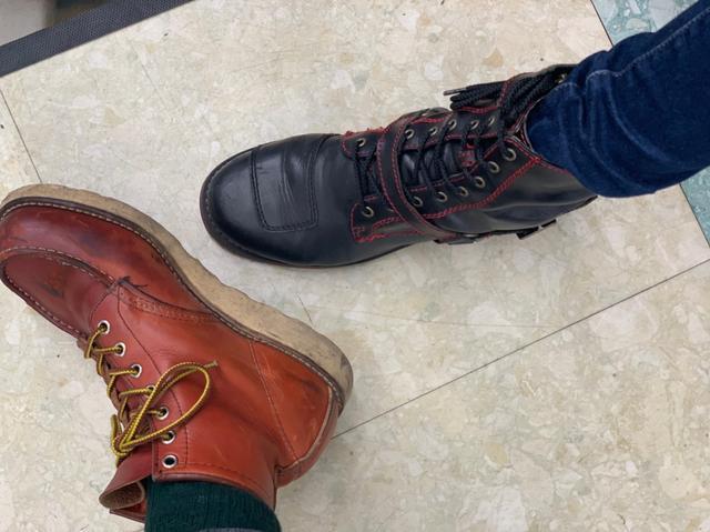 画像: 実はわたしの履いてるブーツ(右)もワイルドウイングのブーツ!とっても柔らかくて、軽くて歩きやすい♪オシャレだから結構お気に入りでプライベートでも撮影でも使ってます(*^^*)