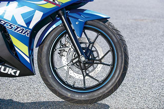 画像: 安定性にこだわり、唯一80サイズのFタイヤを装着。ブレーキは290㎜径のペータル。