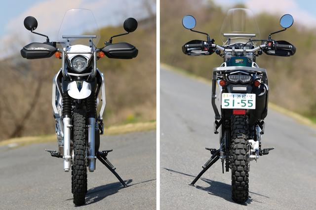 画像: スリムな車体はスタンダードと共通で、現行モデルは2灯式LEDのテールライトを採用している。