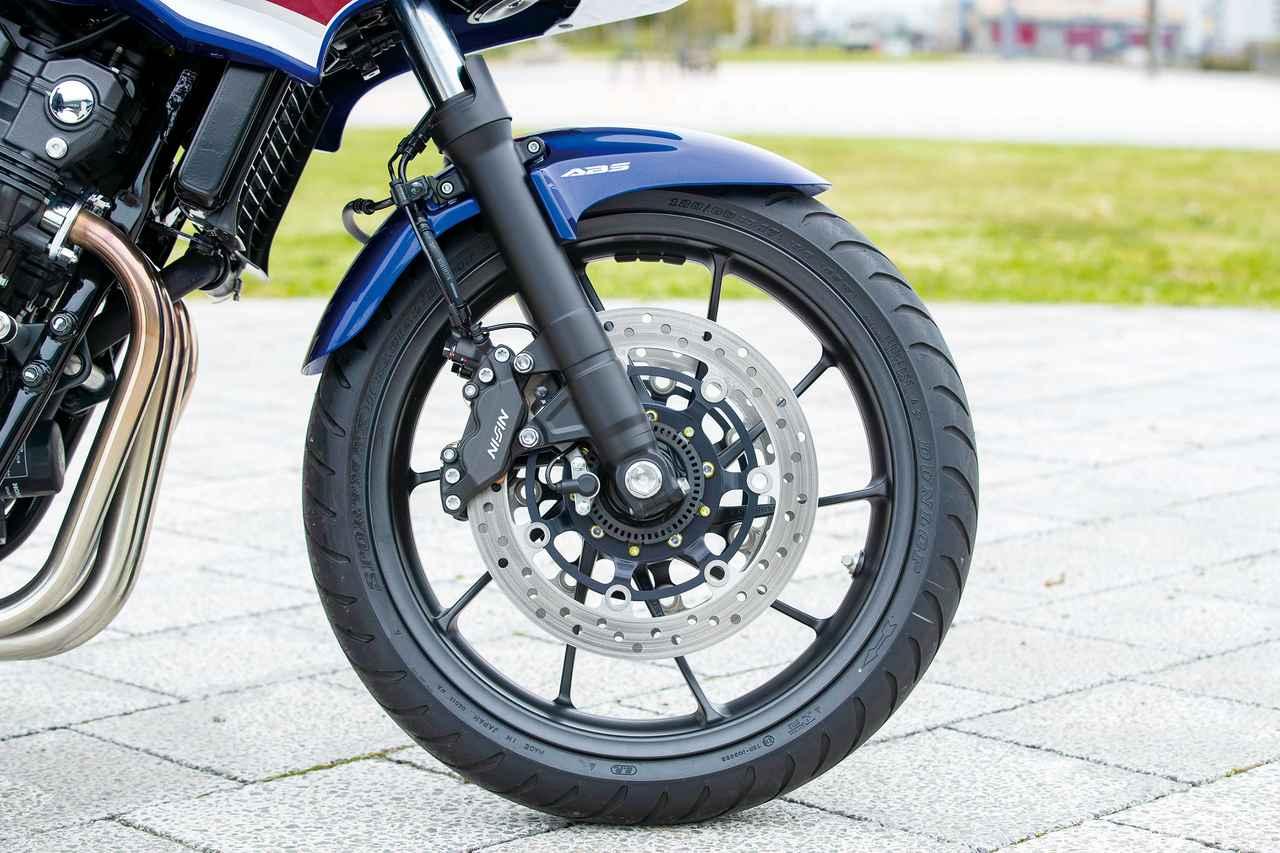 Images : 7番目の画像 - 「ニッポンが誇る400の王様!『HONDA CB400SF/SB』#今買える最新400スポーツ」のアルバム - webオートバイ