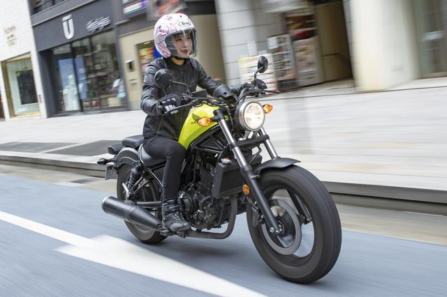 画像3: クルーザーに見えるが中身はシンプルなスポーツバイク