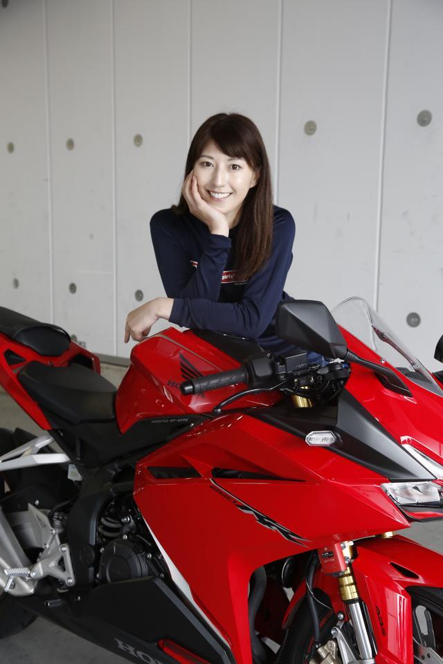 画像3: 大関さおり×HONDA CBR250RR【オートバイ女子部のフォトアルバム】