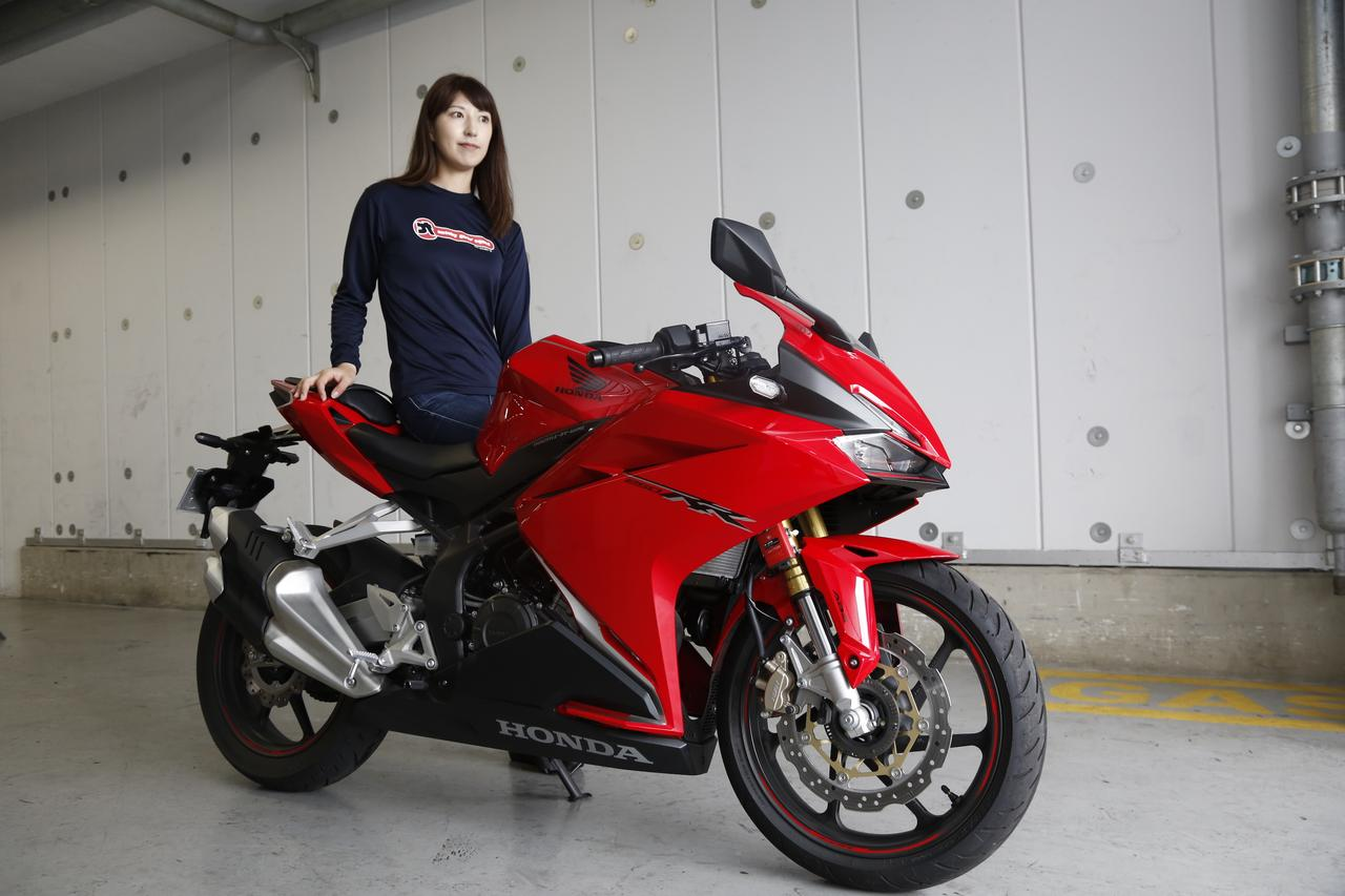 Images : 2番目の画像 - 大関さおり×HONDA CBR250RR - LAWRENCE - Motorcycle x Cars + α = Your Life.