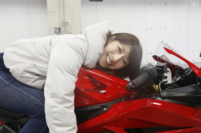 画像2: 大関さおり×HONDA CBR250RR【オートバイ女子部のフォトアルバム】