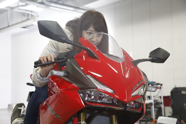画像1: 大関さおり×HONDA CBR250RR【オートバイ女子部のフォトアルバム】