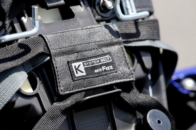 画像2: 面倒な装着とはこれでお別れ。いま多くのシートバッグに採用されている革新的な装着システム