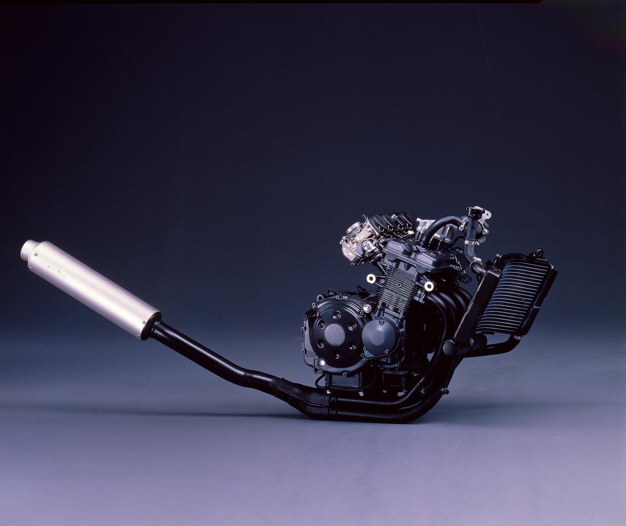 Images : 9番目の画像 - 「やっぱりサーキットが似合う過激なパフォーマンスのミニマムGSX-R『SUZUKI GSX-R250』(1987年)」のアルバム - webオートバイ