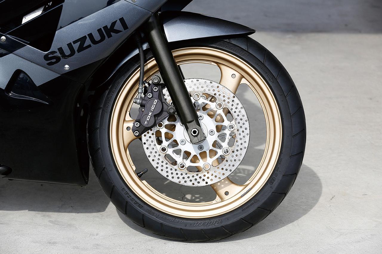 Images : 6番目の画像 - 「【プレイバック80's】「SUZUKI GSX-R250」サーキットが似合う過激なパフォーマンスのニーハンGSX-R(1987年)」のアルバム - webオートバイ