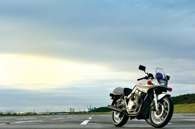 画像: たぐいまれな造形の存在感は35年経った今も健在【1981年SUZUKI GSX1100S KATANA [SZ] 】 - webオートバイ