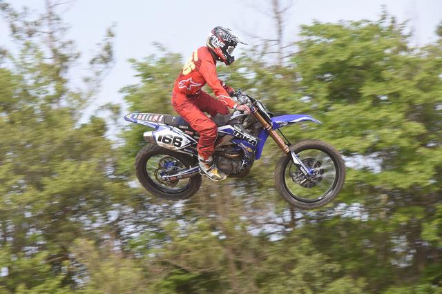 画像: 優勝こそないもののコンスタントに表彰台に立ち続けるヤマハのエース、星野優位