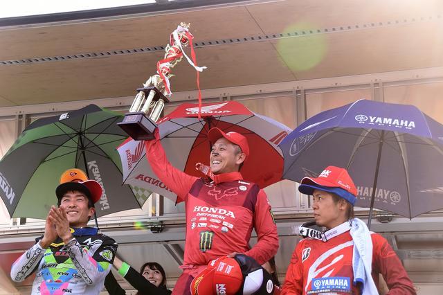 画像: 今シーズン初優勝の怪物・成田 さすがに嬉しそうでした!