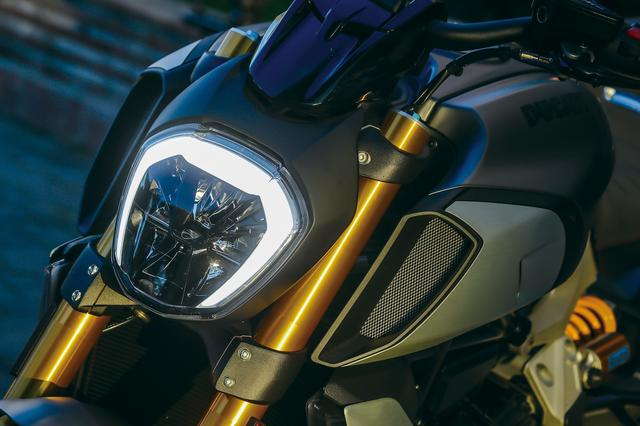 画像2: 随所に感じるバイクの進化とドゥカティらしい味付け