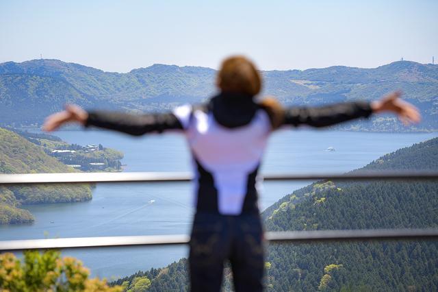 画像: 沿道からの芦ノ湖の眺めもお見事です♪