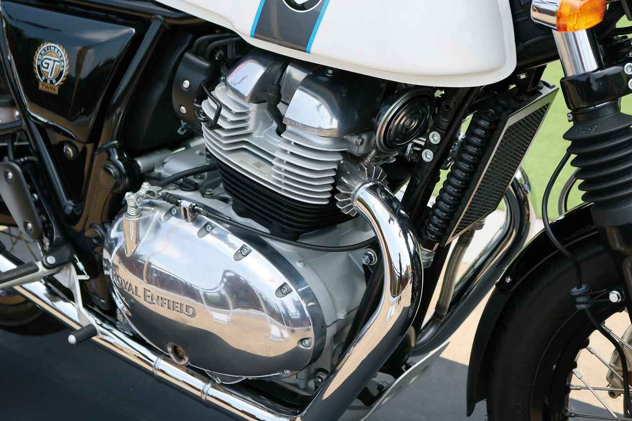 Images : 14番目の画像 - 「伝統のブランド「ロイヤルエンフィールド」って知ってる? 『ROYAL ENFIELD CONTINENTAL GT650』(2019年)#試乗インプレッション」のアルバム - webオートバイ