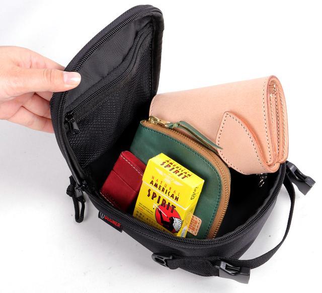 画像2: スマホホルダーと小物入れを兼ねるお手頃タンクバッグ