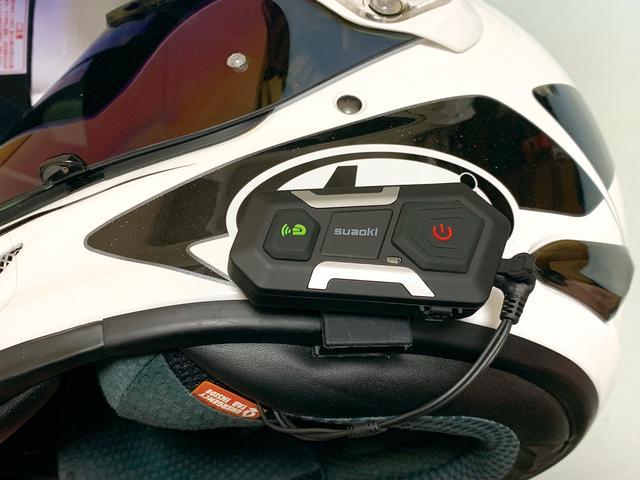 画像: 往復200㎞の日帰りツーリングに使用して1日使いっぱなしでも電池は余裕。 起動時にバッテリー残量を音声で教えてくれるのでバッテリー切れ前の対策も可能。 スピーカーが薄型で長時間使用でも耳が痛くならないのも嬉しいです。