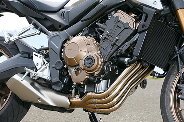 画像: このクラス唯一となる直4エンジンは吸排気系の見直しで伸びやかなパワー特性を実現。