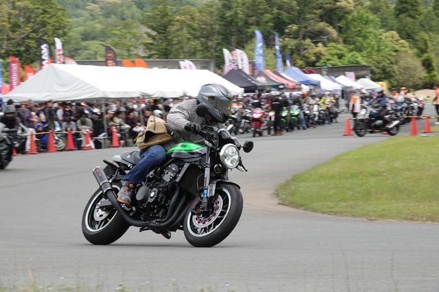 画像2: 会場のデイトナ本社には、2200台のバイクが来場!