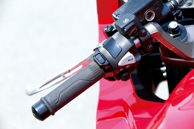 画像3: オートウインカーキャンセラーをはじめグリップヒーター、ETCまで、全て標準装備