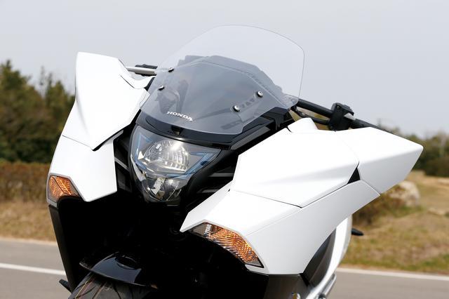 画像5: 外観は斬新でユニークだが中身は素直で優しいバイク